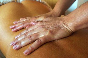 Corso di Massaggio Decontratturante - La Terra di Mezzo - Aosta